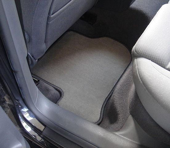 tekstilne-preproge-za-avto1